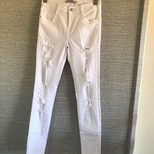 Papaya Mid Rise Distressed White Jeans Size 5